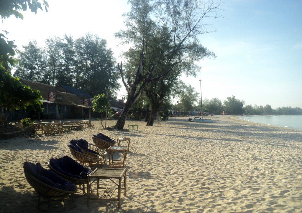 Ochheuteal_beach_Sihanoukville