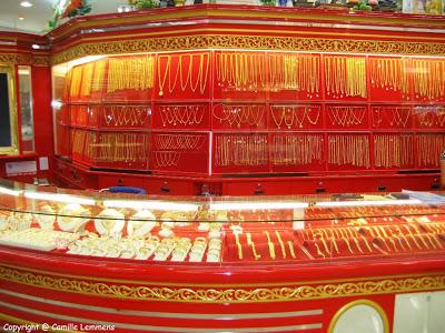 thai chinese will spend 64 billion baht in bangkok to