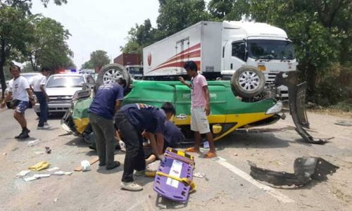 Danish Man Loses His Life As Taxi Overturns On Way To Pattaya
