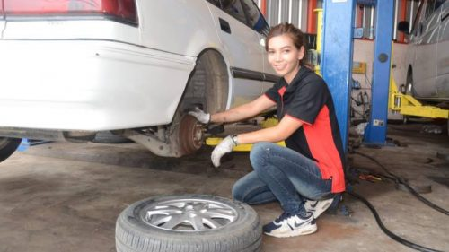 Lovely Female Mechanic Making Waves In Korat With Beauty And Brains